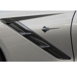14-18 Side Stingray Emblem (Carbon Flash) (Default)