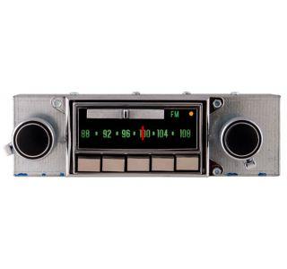 69-71 AM/FM Stereo Bluetooth Radio
